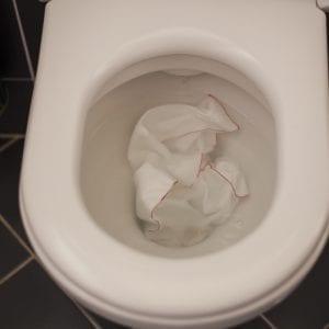 pretekajúce WC
